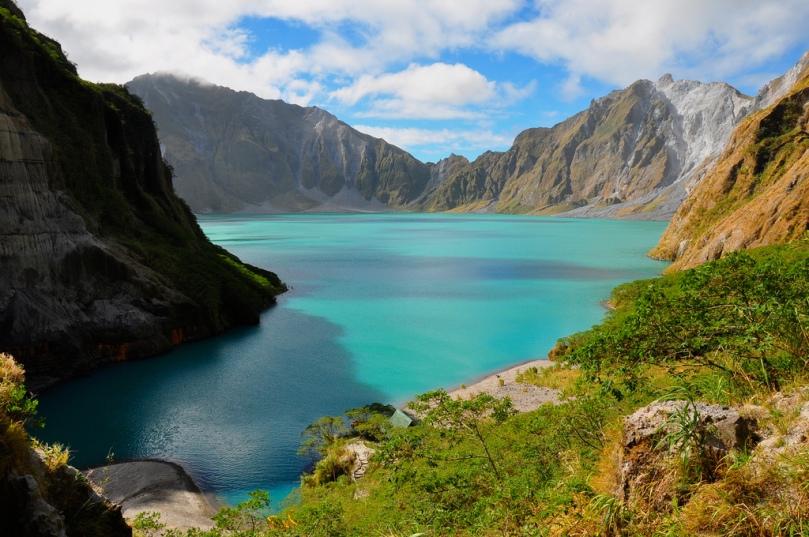 8craterlake-pinatubo