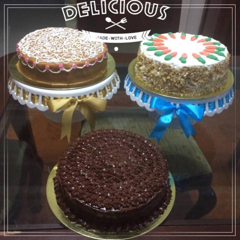3caramel-carrot-choco-cakes